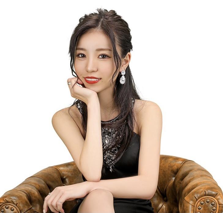 青山莉花|FOURTY FIVE/フォーティーファイブ